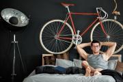 CooperVision/thinkstock  Sportliche Radfahrer benötigen spezielle Sportbrillen. Modelle mit Sehstärke sind allerdings recht teuer - die Alternative ist eine Sportbrille ohne Stärke plus das Tragen von Einmalkontaktlinsen.