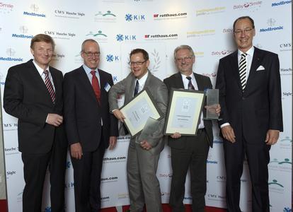 Björn Kasper (Mitte) freut sich sehr über gleich drei Preise!