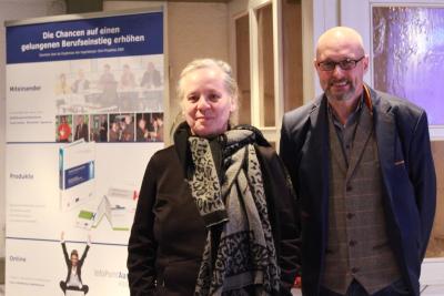 Über die Lebens- und Kommunikationsweisen der jungen Menschen sprachen Katja Stephan und Peter Holnick auf einer Veranstaltung der Vogelsberg Consult GmbH. Fotos: Gaby Richter