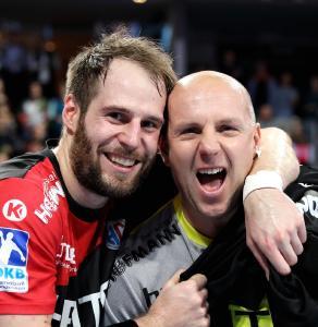 HC Erlangen: Nico Büdel und Gorazd Skof lassen sich feiern (Foto: HJKrieg, Erlangen)
