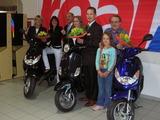 Gewinnerin: Marga Rühr aus Regensburg,Gewinnerin: Daniela Putz aus Köfering (16 Jahre),Gewinner: Franz Leichtl aus Beratzhausen mit Enkelin