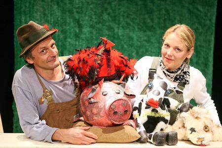 """Inszenierungsfoto """"Die Kuh Rosmarie"""", Foto: Michael Helbig"""