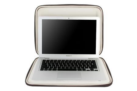 """Crumpler Hard Suit Special Edt.13"""" MacBook Air open"""