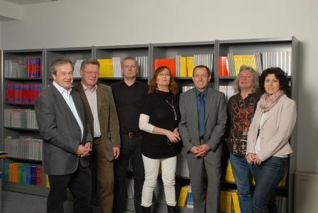 Das Team des Vogel Buchverlags mit seinem Leiter Dr. Rainer Brand (1. von links)