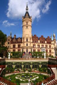 Das Schloss Schwerin bietet eine glänzende Kulisse für kulturellen Hochgenuss. Foto: STADTMARKETING GmbH Schwerin © Marieke Sobiech