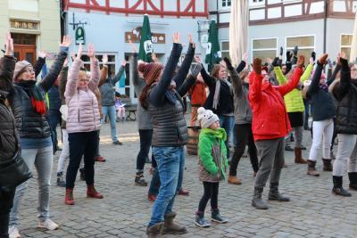 """""""Steht auf! Streikt! Tanzt!"""" Foto: Gaby Richter"""