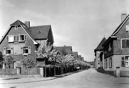 Kolonie III: Wohnhäuser für die Mitarbeiter des Werks an der Hermann-von-Helmholtz-Straße in Leverkusen, Foto: Bayer AG