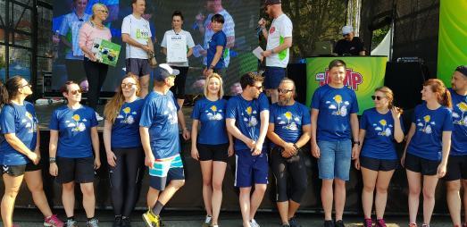 Team Toskanaworld bei der Siegerehrung des T-Shirt-Wettbewerbs | Foto: © Toskanaworld