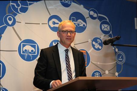 Prof. Dr. jur. Volker Lüdemann gab bei der 25. Hauptversammlung des ARCD in Bad Windsheim einen umfassenden Überblick über die Chancen und Risiken des vernetzten Autos (Foto: ARCD)