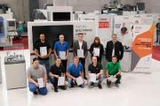 Bundestrainer und WorldSkills-Experte Herbert Mattes sowie die Finalistinnen und Finalisten kamen zur Siegerehrung noch einmal zusammen. (Foto: CHIRON)