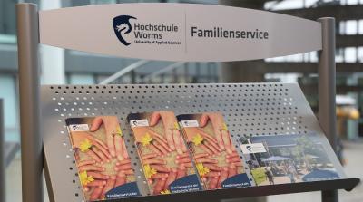 Der Familienservice erweitert mit dem Eltern-, Pflege- und Gesundheits-Guide sein Unterstützungsangebot für Hochschulangehörige. Foto/Dorothea Hoppe-Dörwald
