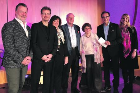 v.l.: Marc Marshall, René Krömer, Heidi Weber-Mühleck, Hans Weber, Prof. Dr. Charlotte Niemeyer, Dr. Axel Buchholz und Corinna Buchholz