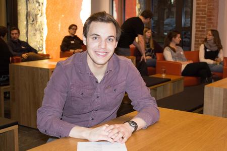 """Christopher Bertels ist Erststudierender in seiner Familie und nutzt die Möglichkeit, sich mit Hilfe des Projektes """"Studienpioniere"""" ein Netzwerk aufzubauen"""