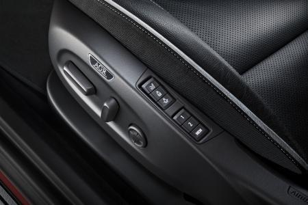 Welche Autositze bereits jetzt rückenschonend sind, erkennen Verbraucher am Gütesiegel der Aktion Gesunder Rücken (AGR) e. V.  Unter www.agr-ev.de/autositz  gibt es eine Auflistung der zertifizierten Hersteller. / Bild: Opel / AGR
