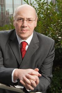 Kurt Bodewig, Lehrbeauftragter der Hochschule Osnabrück,  wird für die Europäische Kommission Verkehrsgroßprojekte koordinieren, Foto: Deutsche Verkehrswacht e.V.