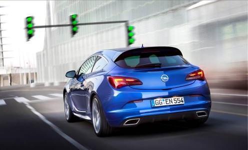 Die Opel Astra-Familie erhält jetzt Zuwachs mit echten Sportlerqualitäten. Der neue, 206 kW/280 PS leistende Astra OPC komplettiert  nun die OPC-Reihe