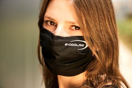 E.COOLINE Kühlmaske für alle hitzegeplagten Menschen. Den Kühleffekt kann man nicht nur fühlen, sondern auch deutlich messen.