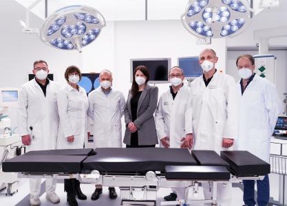 Zwei zusätzliche neue OP-Säle eröffnen Operationskapazitäten in Wirbelsäulen- und Viszeralchirurgie sowie Orthopädie