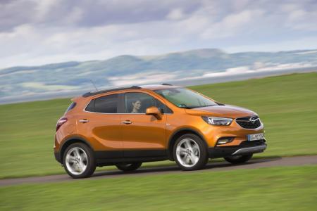Design und Technologien, die begeistern: Seit einigen Wochen bereits bestellbar, fährt der neue Opel MOKKA X am 24. September auch beim Händler vor