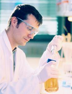 20 Jahre Biopark Regensburg: Ostbayerische Forscher entwickelten unter anderem spezielle Proteine, die die Krankenhauskeime zerstören / Foto: obx-news/Biopark Regensburg GmbH