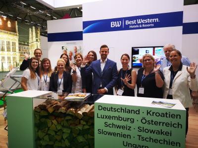 """Auch auf der diesjährigen RDA Group Travel Expo in Köln präsentiert Best Western vom 9. bis 10. Juli die passenden Hotels für Gruppenreisen sowie den Katalog """"Best Western Gruppenplaner 2020"""" mit mehr als 200 Arrangements für Gruppenreiseveranstalter in Halle 6, Stand C49A"""