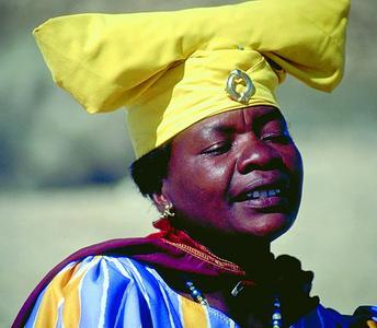 Herero-Dame in viktorianischer Kleidung