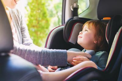 Kinder im Auto - aber sicher!