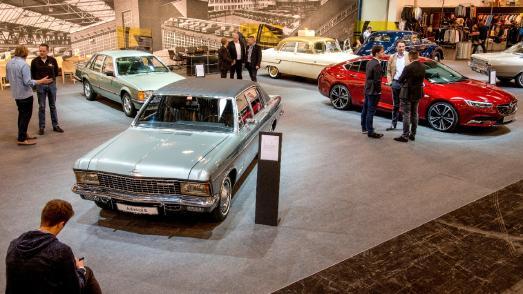 Mit Rat und Tat zur Seite: Auf dem Opel-Stand in Halle 2 erwarten die Besucher kompetente Ansprechpartner von Opel Classic und der Alt Opel IG