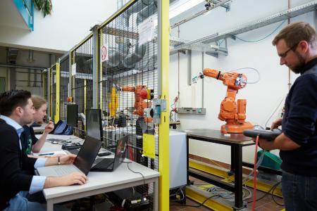 Hochschule Aschaffenburg stellt zwei Fernstudiengänge im Bereich Elektrotechnik vor / Foto: Hochschule Darmstadt