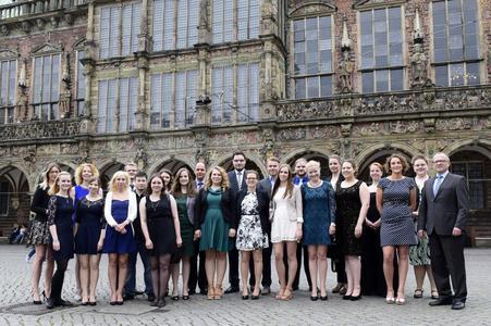 26 Bachelorabsolventinnen und -absolventen für Bremens Verwaltung