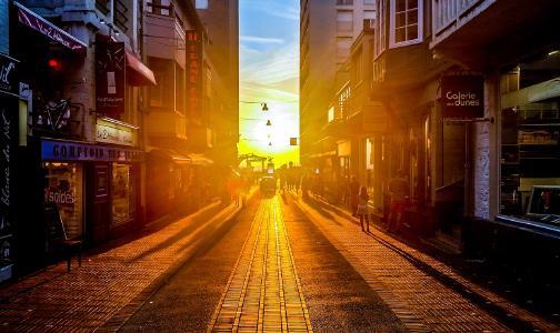 city-people-street-sun.jpg