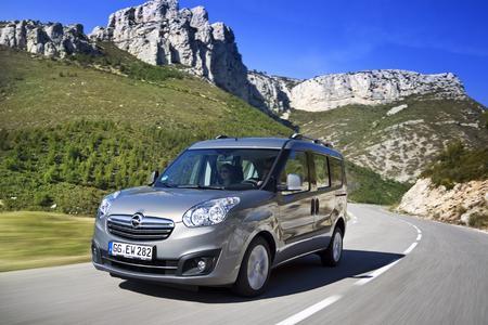 Hoch hinaus: Viel Platz für Passagiere und Gepäck machen den Opel Combo zum perfekten Reisebegleiter