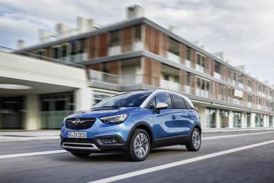 Zweifach-Premiere: Doppeltes Komfort-Plus für den Opel Crossland X