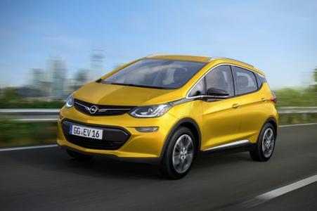 Elektrisierend: Opel Ampera-e kommt als Fünftürer mit Platz für Fünf und konkurrenzloser Reichweite.