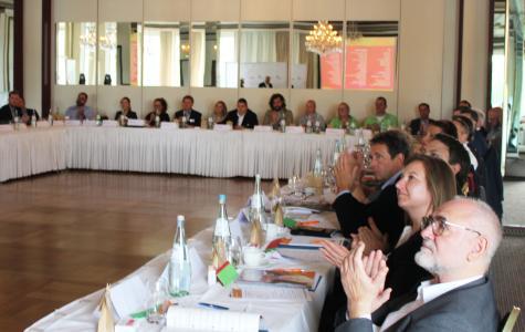 Die Teilnehmer/innen der Jahreshaupt-versammlung zeigten sich beeindruckt von der Entwicklung der Organisation WorldSkills Germany.