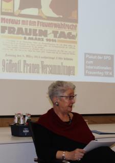 Dr. Elke Schüller