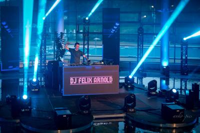 DJ Felix Arnold beim Livestream-Event im April 2021 in der Toskana Therme Bad Schandau