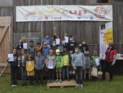 So sehen Sieger aus: stolze Solarcup-Teams bei der Preisverleihung (Brandhorst)