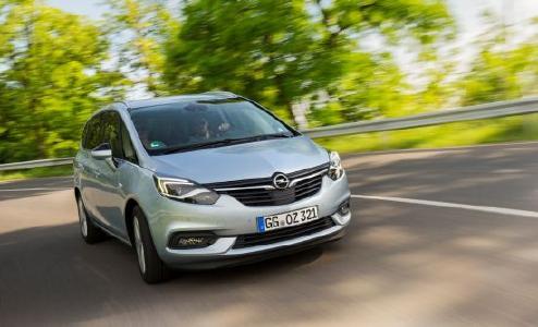 Komfortable Reiselounge: Der Opel Zafira bietet Platz für bis zu sieben Personen oder maximal 1.860 Liter fürs Urlaubsgepäck