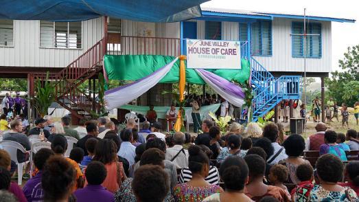 """Eröffnungszeremonie des Schutzhauses """"House of Care"""" für Betroffene häuslicher und sexueller Gewalt in Papua-Neuguinea"""