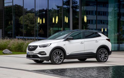 Neuer Opel Grandland X Plug-in-Hybrid jetzt auch als attraktiver Fronttriebler