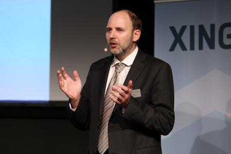 In seinem Vortrag referierte Bo Nintzel, Geschäftsführer der wunschgrundstück GmbH, über die zukünftige Bedeutung lokaler Immobilienmarktplätze wie KIP
