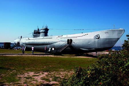Buddelschiff-, Rum-, Zirkus- oder Freimaurer-Museum ? an grauen Wintertagen laden originelle Museen zu bunten Besuchen ein