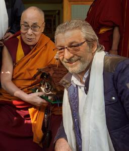 Otmar Knoll, Direktor von Whirlpools World in Deißlingen-Lauffen, bei der Audienz mit dem 14. Dalai Lama.