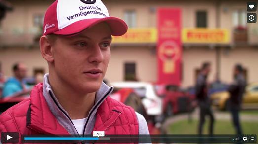 Mick Schumacher, Formel 3-Rennfahrer, gehörte ebenso zur Jury des GOLDENEN LENKRADS 2017