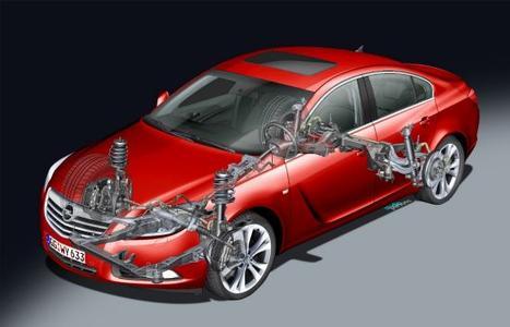 Zum ersten Mal bietet Opel das SuperSport-Chassis nun auch für Frontantriebsversionen des Flaggschiffs Insignia an. Zwei Diesel- und Benzinvarianten profitieren von dem Fahrwerkspaket, das aus der Vorderradaufhängung mit HiPerStruts (Hochleistungsfederbeine) und Brembo-Bremsen sowie speziell dafür abgestimmten Federn und Querstabilisatoren besteht