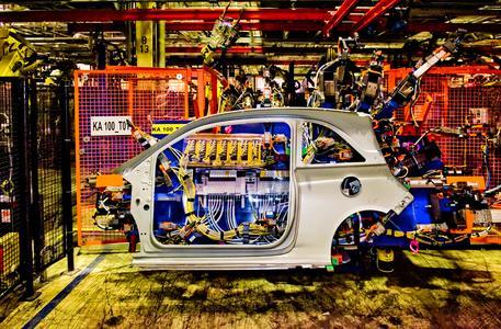 Großer Bahnhof für ein kleines Auto: Opel feierte heute in seinem Werk Eisenach den offiziellen Produktionsstart seines neuen Lifestyle-Kleinwagens ADAM (Bild: Adam Opel AG)