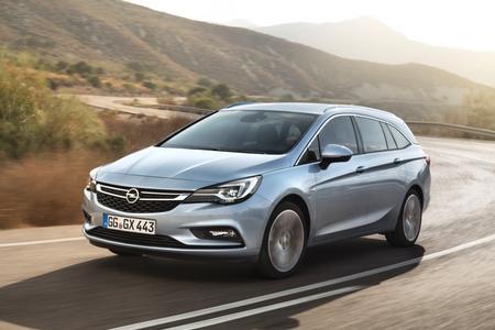So macht Reisen Spaß: Der neue Opel Astra Sports Tourer bietet eine breite Palette an Ausstattungsmöglichkeiten und Zubehör, die den Urlaubstrip noch angenehmer gestalten