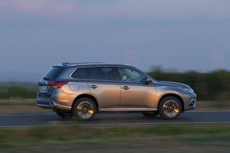 Mitsubishi Plug-in Hybrid Outlander MY16 (Bild: MMD Automobile GmbH)