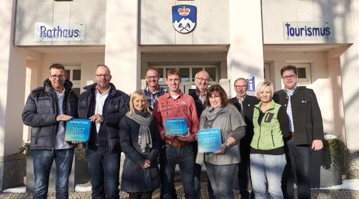 Auf dem Bild (von links): Uwe Krauser, Oliver Madel, Nina Harter, Joost Lafeber, Kim de Vries, Roland Kleis, Elke Kleis, Johann Sturm, Renate Kollmer, Joli Haller